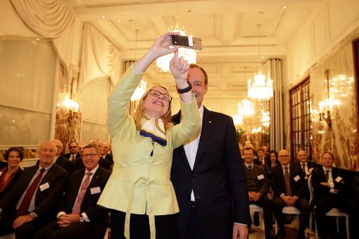 Margarete Schramböck zu Gast beim CMC Masters Club