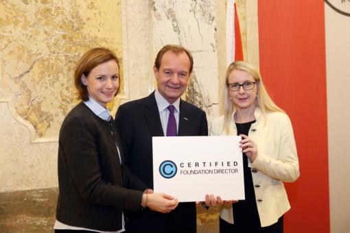Verleihung CSE und Certified Foundation Directors durch Bundesministerin Dr. Margarete Schramböck